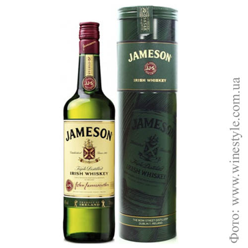 "Виски ""Jameson"" irish whiskey тубус 0.700 кг"
